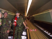 På vej ad rulletrappen under Kielerkanalen (18 m under overfladen)