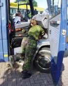 Karen Marie ordner den hollandske bil