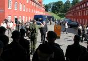 Forsvarsminister Søren Gade modtager holdet